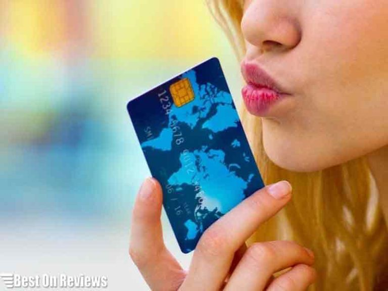 How to Get Cash from a Prepaid Visa Debit Card