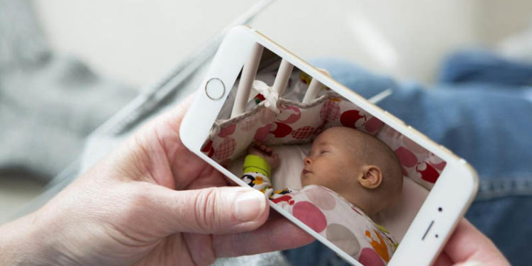 Baby Monitors That Connect to Phone